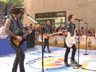 Fall Out Boy perform 'Sugar, We're Goin' Down'